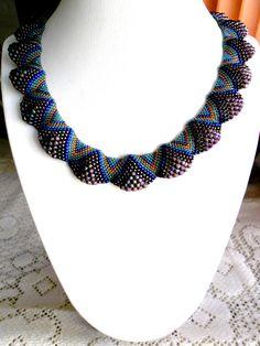 Best 12 Flat Ciellini spiral tender necklace by noastreasure on Etsy Seed Bead Necklace, Seed Bead Jewelry, Bead Jewellery, Beaded Earrings, Beaded Jewelry, Jewelry Necklaces, Handmade Jewelry, Unique Jewelry, Seed Beads