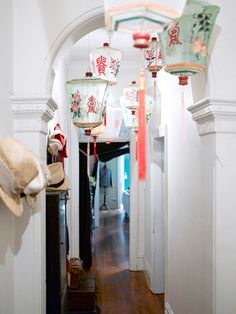 chinese silk lanterns, via the design files / sfgirlbybay chinese silk lanterns, via the design files / sfgirlbybay The post chinese silk lanterns, via the design files / sfgirlbybay appeared first on Home. Asian Home Decor, Diy Home Decor, Room Decor, Style Asiatique, Antique Lanterns, Vintage Chinese Lanterns, Sweet Home, Chinoiserie Chic, Ideas Geniales