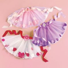 tutù- my Jacey or Claire would be super cute models for this! Love the petals in the skirt! ;) so easy to do yourself!