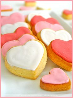 Have to remember to make Valentine's Day Sour Cream Cookies with these colors. So pretty!