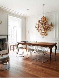 Colores: madera con blanco mantiene la gama. Más uniforme y luminoso