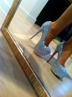 #Shoes #White_Diamonds #Woman_Glam