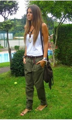 Grunge meets chic, I wish I could pull this look off
