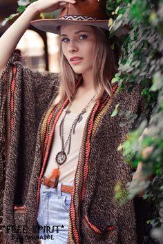 Poncho #Handmane #boho #bohochic #bohostyle #bohofashion #bohemian #bohem #hippie #hippiechic #hippiestyle #style #gypsy #gypsysoul #folk #fashion #ouftifs #Freespirit By #ROMINASOL
