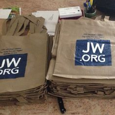.@jw_witnesses   Gift bags for delegates to the International Convention in Rutherford, New Je...   Webstagram