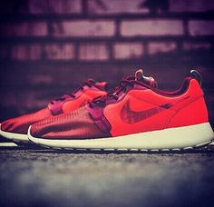 Women's Nike Roshe Run Cheap Casual Shoes  At  shoes2015.com .