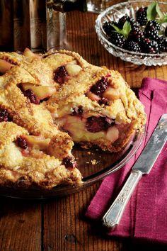 Splurge-Worthy Thanksgiving Desserts: Blackberry-Apple Pie