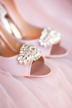 Glitzy and Glamorous Wedding In Pink & Purple