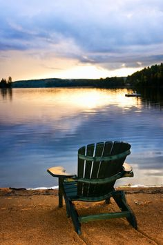 Lakes can be so relaxing.