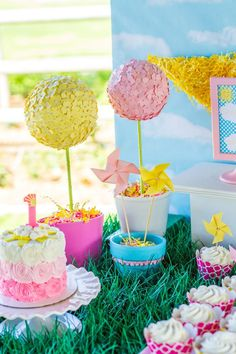 You Are My Sunshine themed birthday party via Kara's Party Ideas | The Place for All Things Party! KarasPartyIdeas.com #youaremysunshineparty (50)