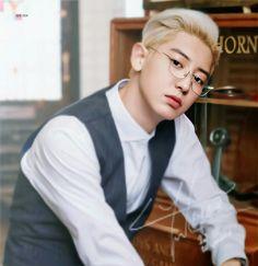 Stop seducing me. Park Chanyeol Exo, Kpop Exo, Baekhyun, Exo Kai, Exo Ot12, Chanbaek, Rapper, Bts And Exo, Rhythm And Blues
