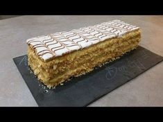 Mille feuille facile avec thermomix Dessert Thermomix, Robot Thermomix, Creme Dessert, Bread Cake, French Pastries, Fun Cooking, Sweets Recipes, Fudge, Yummy Food
