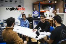 Noticias   Club AJE In Company: las clases de Englishcafe van a tu Empresa