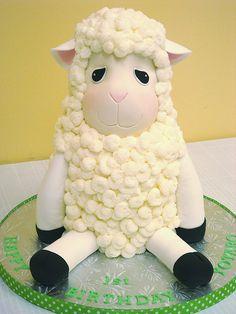 Little Lamb Cake by springlakecake, via Flickr  http://www.flickr.com/photos/24367079@N04/3450159701/