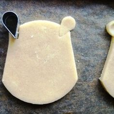 How to make Winnie the Pooh cookies without the proper cookie cutter.