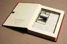 Gebruik een oud boek om iets van waarde in op te bergen wanneer je geen kluis bezit.