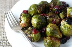 Honey Roasted Brussel Sprouts & cups brussel sprouts 1 cup cranberries 3 tablespoons olive oil 3 tablespoons butter, melted teaspoon cinnamon orange zest cup honey Salt & pepper to taste Honey Roasted Brussel Sprouts, Brussel Sprouts Cranberries, Brussels Sprouts, Veggie Recipes, Vegetarian Recipes, Healthy Recipes, Healthy Food, Healthy Eating, Food Inspiration