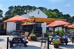 Outdoor dining at Merroir