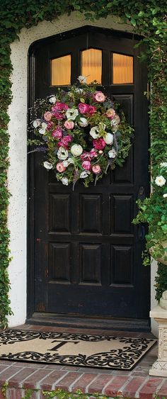 Soft, ultra-realistic blooms, berries and foliage adorn our Findley Wreath, garnishing your door in the natural beauty that arrives with spring.