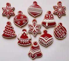 Lemon Foam: Gingerbread pečení a zdobení Christmas Deserts, Christmas Tree Cookies, Iced Cookies, Christmas Gingerbread, Royal Icing Cookies, Holiday Cookies, Holiday Treats, Gingerbread Cookies, Holiday Baking