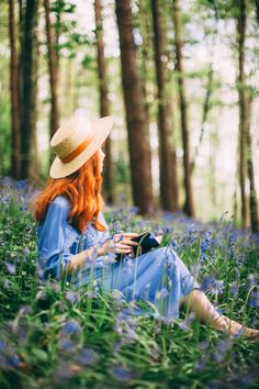 Stop by our web page to find photography educational videos, suggestions. Woods Photography, Fantasy Photography, Girl Photography Poses, Lovely Girl Image, Girls Image, Look Vintage, Photoshoot Inspiration, Clothes Horse, Belle Photo