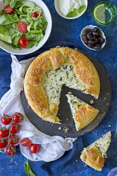 Cheese and labneh Galette – Chef in disguise Tofu Recipes, Cooking Recipes, Cooking Tips, Easy Healthy Breakfast, Healthy Snacks, Savory Pastry, Pastry Chef, Turkish Recipes, Arabic Recipes