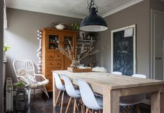 The family has enjoyed many hours of quality time at the dining table from Hillshome. The dining chairs are from Vintagelab15, and the cute rattan armchair was purchased from Woonexpress.