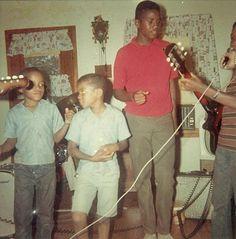 L-R Marlon Jackson, Michael Jackson, and Jackie Jackson.