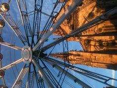 La grande roue sur la place de la Réunion à Mulhouse