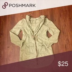 Hollister Cargo Jacket (Spring Jacket) 💐 Gently used. No holes or stains. Beautiful light olive green color that's perfect for spring/summer! I was normally a medium at hollister and this jacket was perfect. Depending on your height it should fall just on the rear. There is a hood and a string to adjust your waist! :) all reasonable offers welcome!!! 💕 Hollister Jackets & Coats Utility Jackets