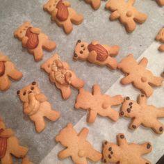 Печенье в виде обнимающихся медвежат слишком милое, чтобы его съесть
