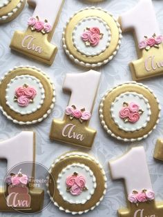 Personalized Pink and Gold First birthday Number 1 (one) -One Dozen Decorated Sugar Cookies Fancy Cookies, Iced Cookies, Cute Cookies, Sugar Cookies, First Birthday Cookies, Girl First Birthday, Princess Cookies, Sugar Cookie Royal Icing, Cupcakes Decorados