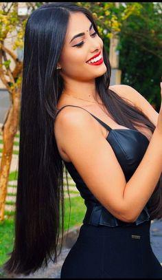 How To Get Thicker Hair Naturally At Home : 3 Simple Tips Long Black Hair, Very Long Hair, Dark Hair, Beautiful Long Hair, Gorgeous Hair, Pretty Hairstyles, Straight Hairstyles, Layered Hairstyles, Black Hairstyles