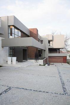 House Eccleston | Outside | Nico van der Meulen Architects #Design #Architecture #Contemporary