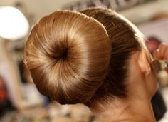 Make a Donut Bun #hair #YouQueen