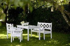 biała ławka w ogrodzie - Szukaj w Google