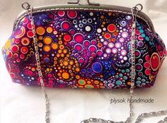 PLYSOK - po Lidunce dostala taštička jméno, ale myslím, že až v jejím podání je ta rámečková kabelečka hodná jejího jména. Kam se hrabe originál! Lidunko, je překrááááásná!!!! Coin Purse, Quilts, Wallet, Purses, Fashion, Pocket Wallet, Handbags, Comforters, Moda