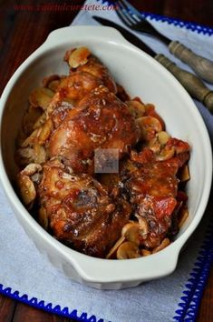 iepure la cuptor cu sos de vin si ciuperci