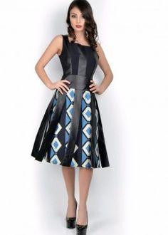 LATITURE  Vestido estampa negro y turquesa detalles flecos y pechera efecto cuero. Talla 38,40 y 42 brasilera.  #graduacion #15 #matrimonio #fiesta #vestidos #wedding #party #dress #fashion #style #design #outfit #shopping #glam