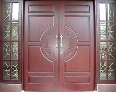 Tips Aman Saat Ditinggal Suami Tugas Luar Kota House Main Door Design, Front Door Design Wood, Modern Front Door, Double Front Doors, Door Design Interior, Wooden Door Design, Wooden Doors, External Doors, Iron Doors