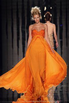 orange dress by Abed Mahfouz Abed Mahfouz, Orange Outfits, Orange Dress, Tangerine Dress, Beautiful Gowns, Beautiful Outfits, Gorgeous Dress, Glamorous Chic Life, Belle Silhouette