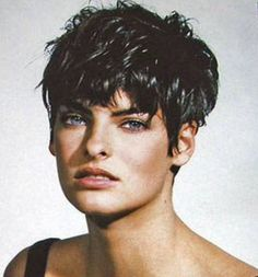Spider Fawn Library c___l___o Cute Short Haircuts, Cute Hairstyles For Short Hair, Curled Hairstyles, Short Hair Styles, Short Hair With Layers, Short Hair Cuts For Women, Layered Hair, Linda Evangelista, Brunette Pixie