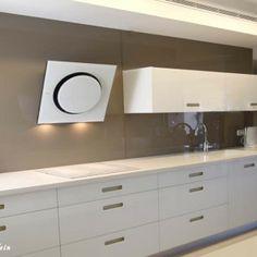 עיצוב מטבח מודרני כולו זכוכית #kitchens #מטבחים