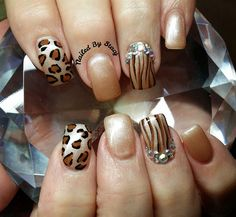 Animal Print Nail Art (not a fan of the jewels but everything else) Beautiful Nail Art, Gorgeous Nails, Love Nails, Pretty Nails, Amazing Nails, Fancy Nails, Nail Polish Art, Gel Nail Art, Art Nails