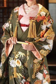 Japanese Fabric, Japanese Kimono, Yukata Kimono, Kimono Top, Traditional Kimono, Women Figure, Modern Outfits, Japan Fashion, To My Daughter
