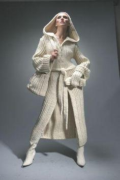 Интересные фасоны вязанных пальто