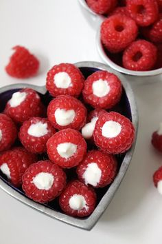 These yogurt filled raspberries are a delicious and healthy snack. Your kids wil. These yogurt filled raspberries are a delicious and healthy snack. Your kids will love to help prepare these (an. Healthy Snacks For Kids, Healthy Treats, Yummy Snacks, Snack Recipes, Yummy Food, Fruit Snacks, Healthy Midnight Snacks, Healthy Recipes, Healthy Filling Snacks