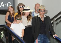 Johnny Depp and Amber Heard Private Plane | Johnny Depp and Amber Heard Jet Out of Tokyo With His Kids