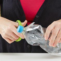 ....beim Hals der Plastikflasche abschneiden