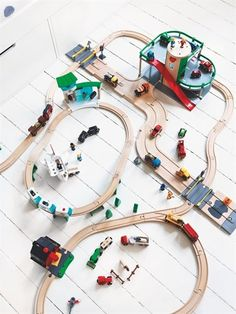 Kid toy Brio parking garage